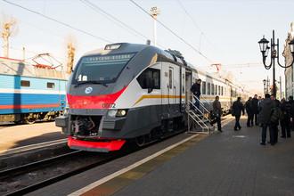 Поезда повышенной комфортности страдают от вандалов меньше. Хулиганов отпугивает усиленная охрана этих составов и современные системы безопасности. Кроме того, риск вандализма снижают высокая скорость и специальная конструкция вагонов.