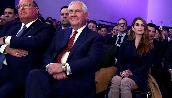 Глава госдепа США Рекс Тиллерсон и директор Белого дома по коммуникациям Хоуп Хикс на Всемирном экономическом форуме в Давосе, 26 января 2018 года