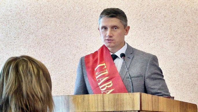 Олег Шкуратов во время инаугурации на пост главы города Клинцы, 2014 год