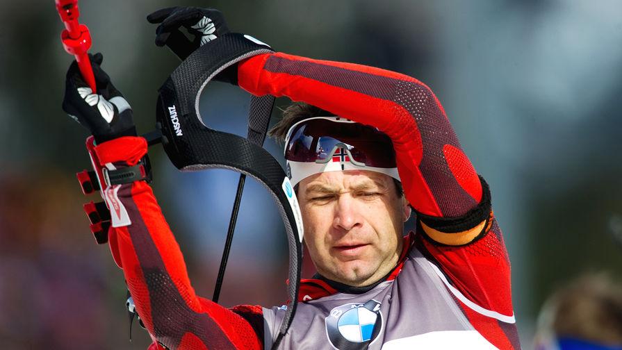 Норвежец Уле-Эйнар Бьорндален на дистанции во время мужской эстафеты на Чемпионате мира 2012 года в немецком Рупольдинге, 2012 год