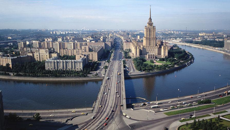 Панорама Москвы на Кутузовский проспект и гостиницу «Украина»