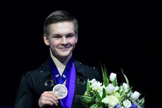 Российский фигурист Михаил Коляда с бронзовой медалью чемпионата мира