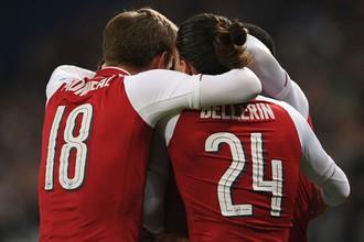 Игроки «Арсенала» празднуют гол