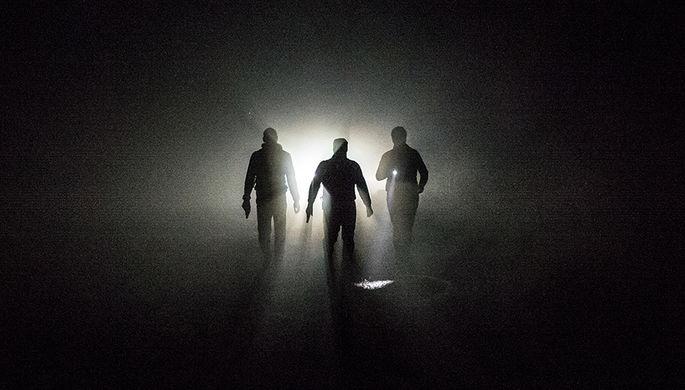 Стритрейсеры во время ночного рейда по поиску членов «банды ГТА»