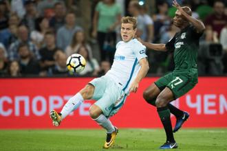 Нападающий «Зенита» Александр Кокорин не сумел отличиться результативными действиями в матче против «Краснодара»