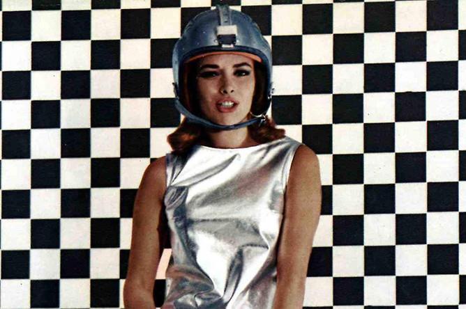 Карин Дор для афиши фильма «007: Живешь только дважды» (1967)