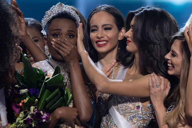 Обладательницей титула «Мисс Вселенная» 2019 года стала представительница Южно-Африканской Республики (ЮАР) Зозибини Тунзи