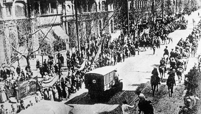 Части Первой конной армии вступают в Ростов-на-Дону, январь 1920 года