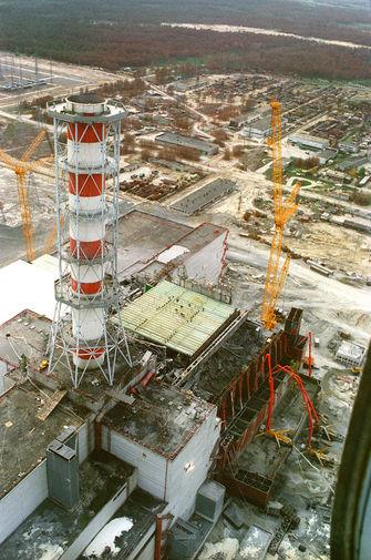 Вид на Чернобыльскую АЭС, август 1986 года
