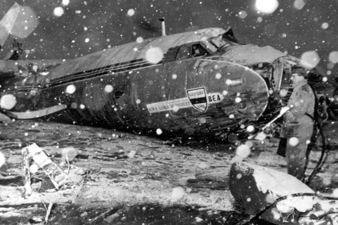 Последствия крушения самолета авиакомпании British European Airways в аэропорту Мюнхена, 6 февраля 1958 года
