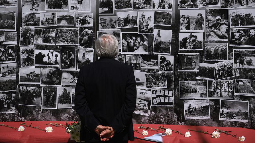 Участник акции «Бессмертный полк» в Лиссабоне