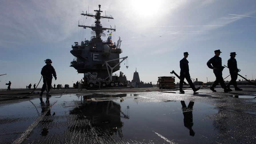 Трамп приказал морякам США уничтожать корабли Ирана, мешающие США