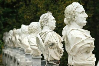 Скульптуры в государственном музее-усадьбе «Архангельское»