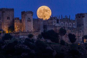 Замок Альмодовар на юге Испании