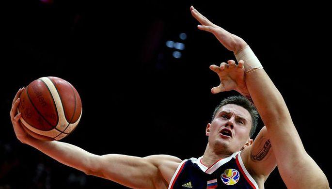 Игрок сборной России Михаил Кулагин во время матча чемпионата мира по баскетболу