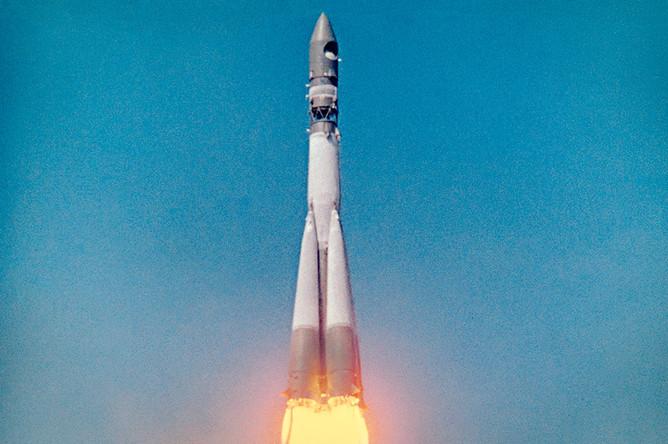 Старт космического корабля «Восток» с Юрием Гагариным на борту, 12 апреля 1961 года