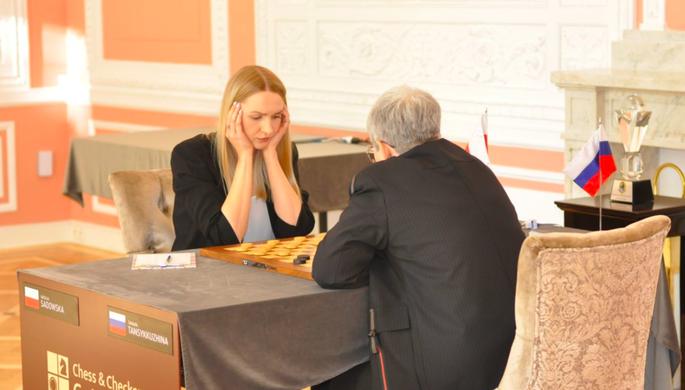 Польская шашистка Наталья Садовская и россиянка Тамара Тансыккужина