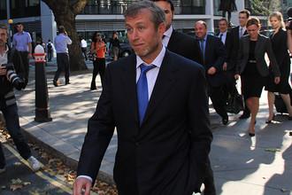 2011 год. Роман Абрамович у здания Высокого суда Лондона, где начался процесс по иску Б. Березовского к Р. Абрамовичу