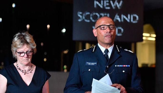 Главный врач Великобритании профессор Салли Девис и глава контртеррористического подразделения...