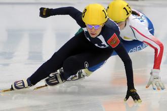 Татьяна Бородулина и итальянка Мартина Вальсепина на дистанции 1500 м