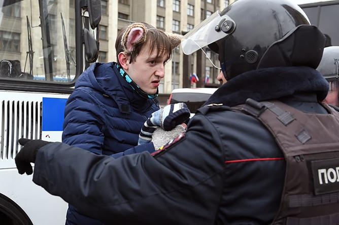 Задержания сторонников «Артподготовки» на Манежной площади, 5 ноября 2017