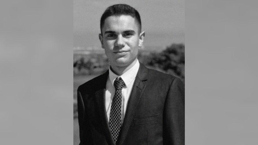 19-летний футбольный арбитр умер на предматчевой разминке