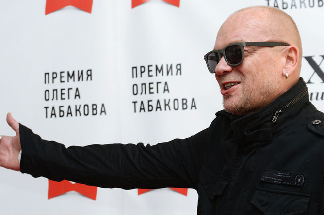 Актер Андрей Смоляков перед церемонией вручения премии Олега Табакова в «Московском театре под руководством О.Табакова», 20 марта 2015 года