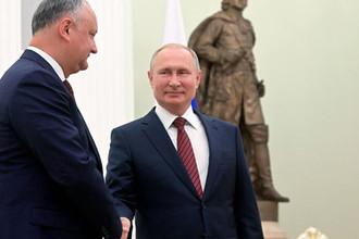 Президент РФ Владимир Путин и президент Молдавии Игорь Додон (слева), который находится в России с рабочим визитом, 7 сентября 2019 года