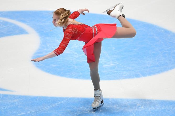Дарья Паненкова выступает в произвольной программе женского одиночного катания на чемпионате России по фигурному катанию в Санкт-Петербурге