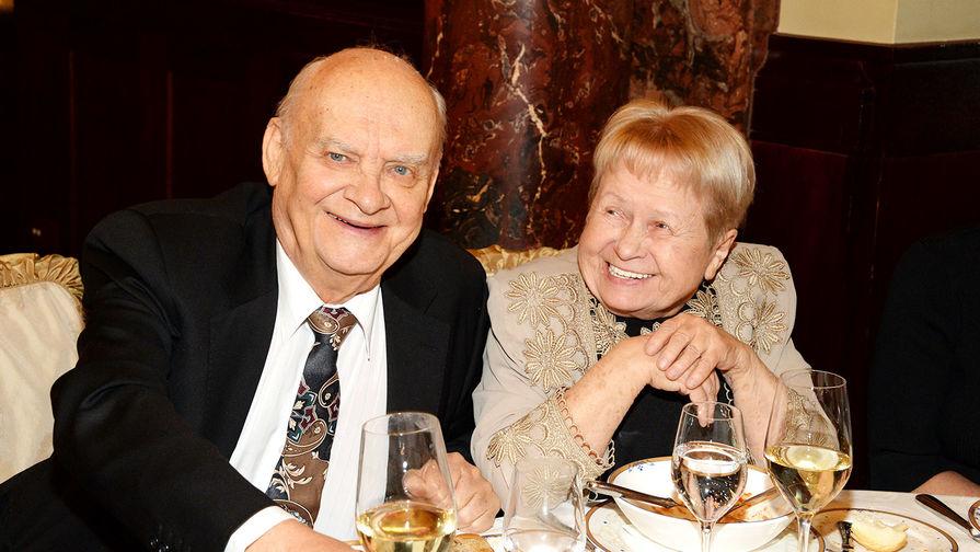 Александра Пахмутова и Николай Добронравов на праздновании 75-летия Льва Лещенко, 2017 год