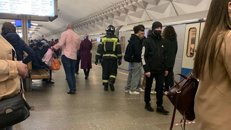 На станции Тульская московского метро человек упал на пути