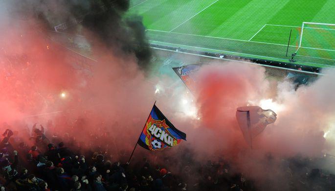 На фанатском секторе московского ЦСКА было традиционно жарко и ярко, хотя голов армейцы на этот раз не забили
