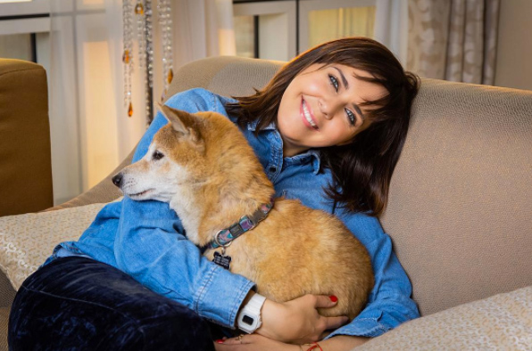 Ольга Шелест со своей собакой Йоши