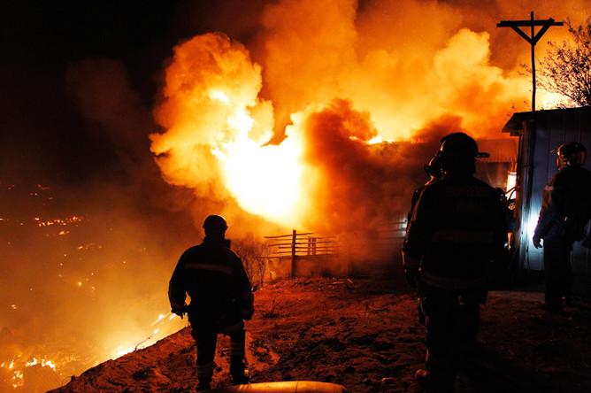 Пожар в чилийском городе Вальпараисо унес жизни 12 человек