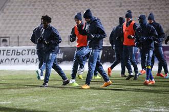 Игроки «Ростова» на предматчевой тренировка в Перми