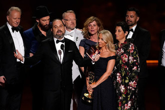 Актеры из сериала «Чернобыль» во время церемонии вручения премии «Эмми» в Лос-Анджелесе, 22 сентября 2019 года