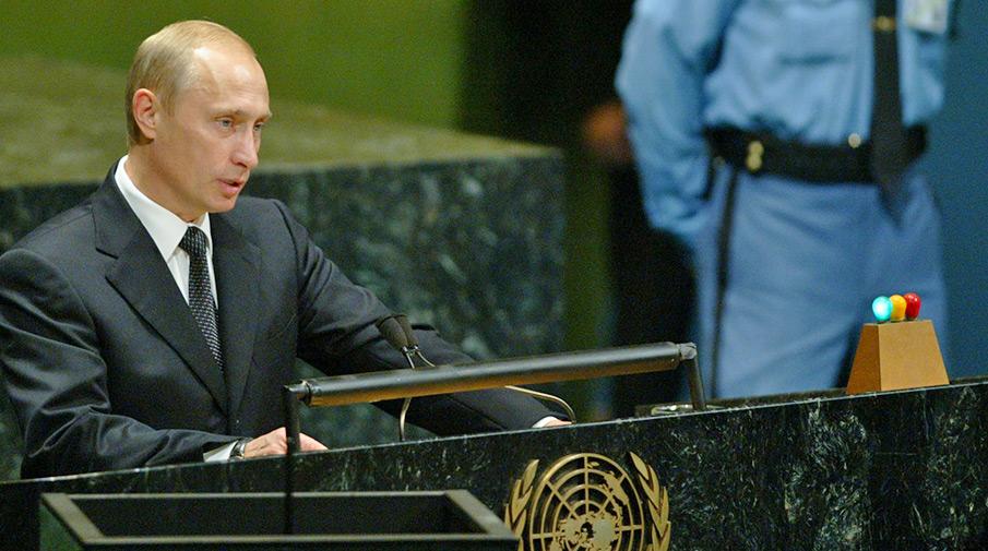 На плече у Путина