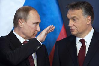 Президент России Владимир Путин (слева) и премьер-министр Венгерской Республики Виктор Орбан