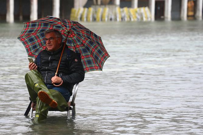 Во время наводнения в Венеции, 12 ноября 2019 года