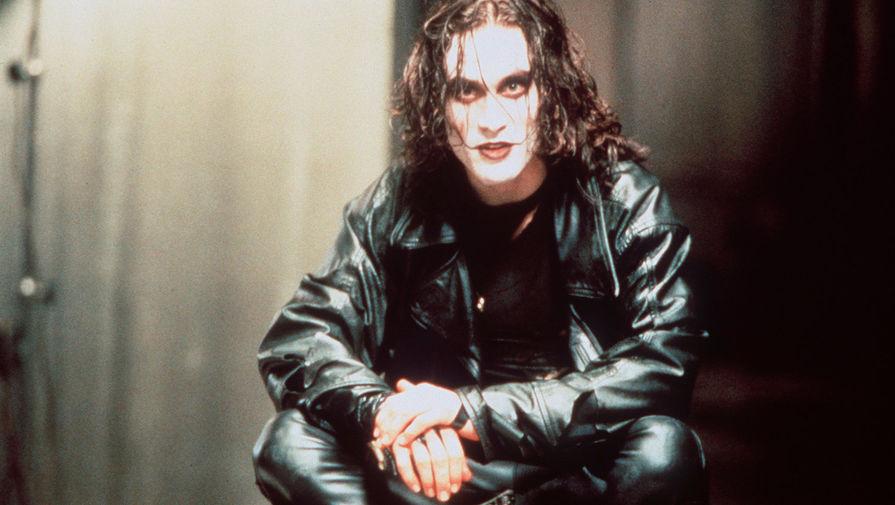 Брэндон Ли на съемках фильма «Ворон», 1993 год