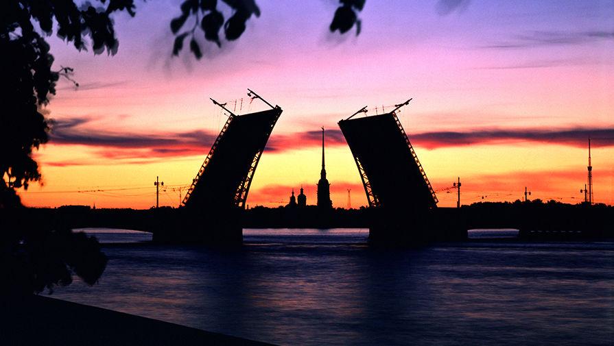 Дворцовый мост разведут под музыку Цоя в день смерти музыканта