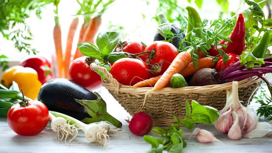 Диетолог рассказала, кому нельзя есть сырые овощи