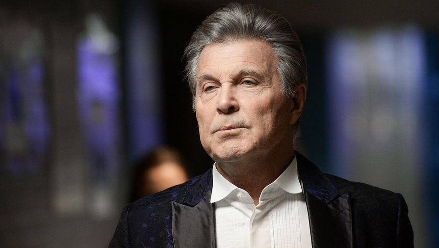 Певец Лев Лещенко во время концерта «Песня Года» в Москве, 2016 год