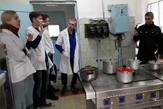 Больные на улицах, врачи без работы: что творится в Курганской области