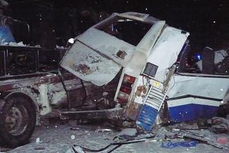 Смертельная авария с участием грузовика, автобуса и двух легковых автомобилей на трассе в ХМАО, декабрь 2016 года