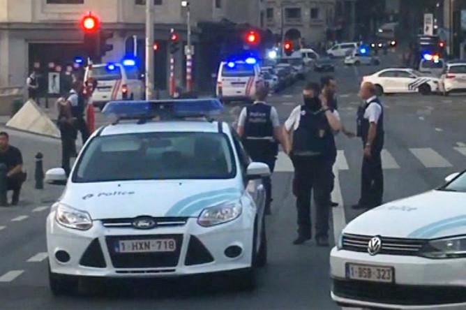 Полиция около центрального вокзала Брюсселя, 20 июня 2017 года
