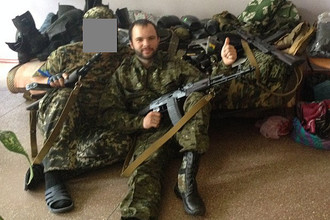 Активист питерского НДП Александр Жучковский (на фото справа)