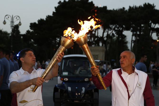 Участники эстафеты огня первых Европейских игр — 2015, которые пройдут с 12 по 28 июня