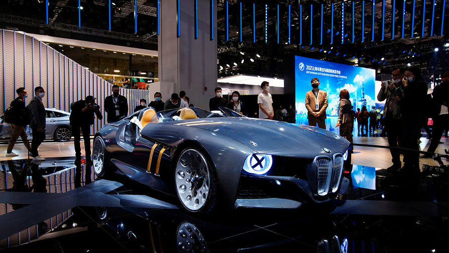 Автомобиль BMW 328 Hommage Concept на Шанхайском автосалоне, апрель 2021 года