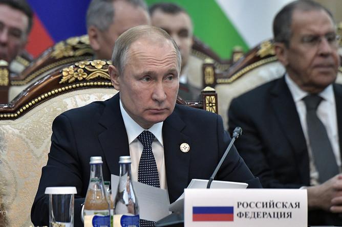 Президент России Владимир Путин на заседании Совета коллективной безопасности ОДКБ в Бишкеке, 28 ноября 2019 года